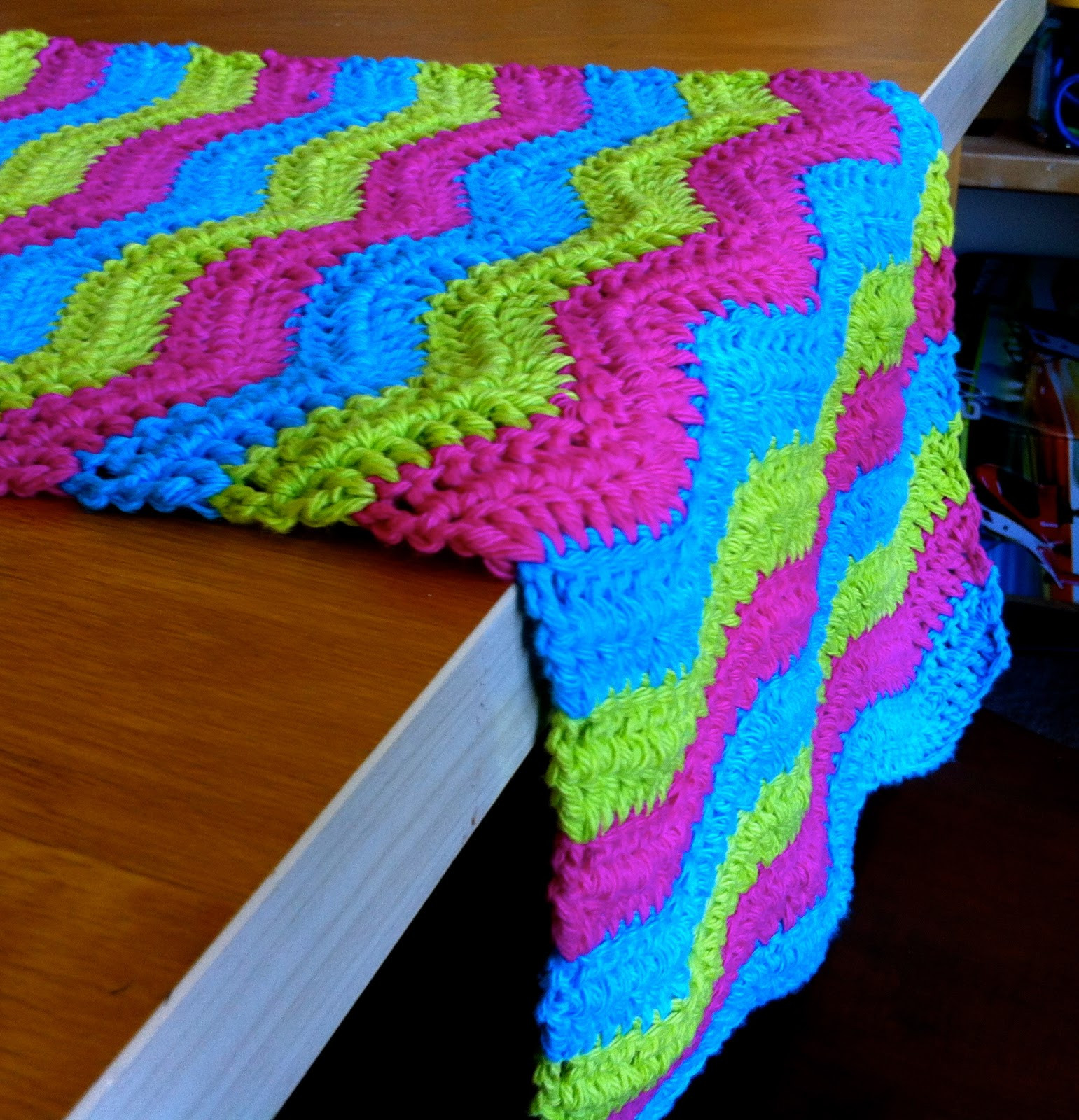32 Free Crochet Table Runner Patterns