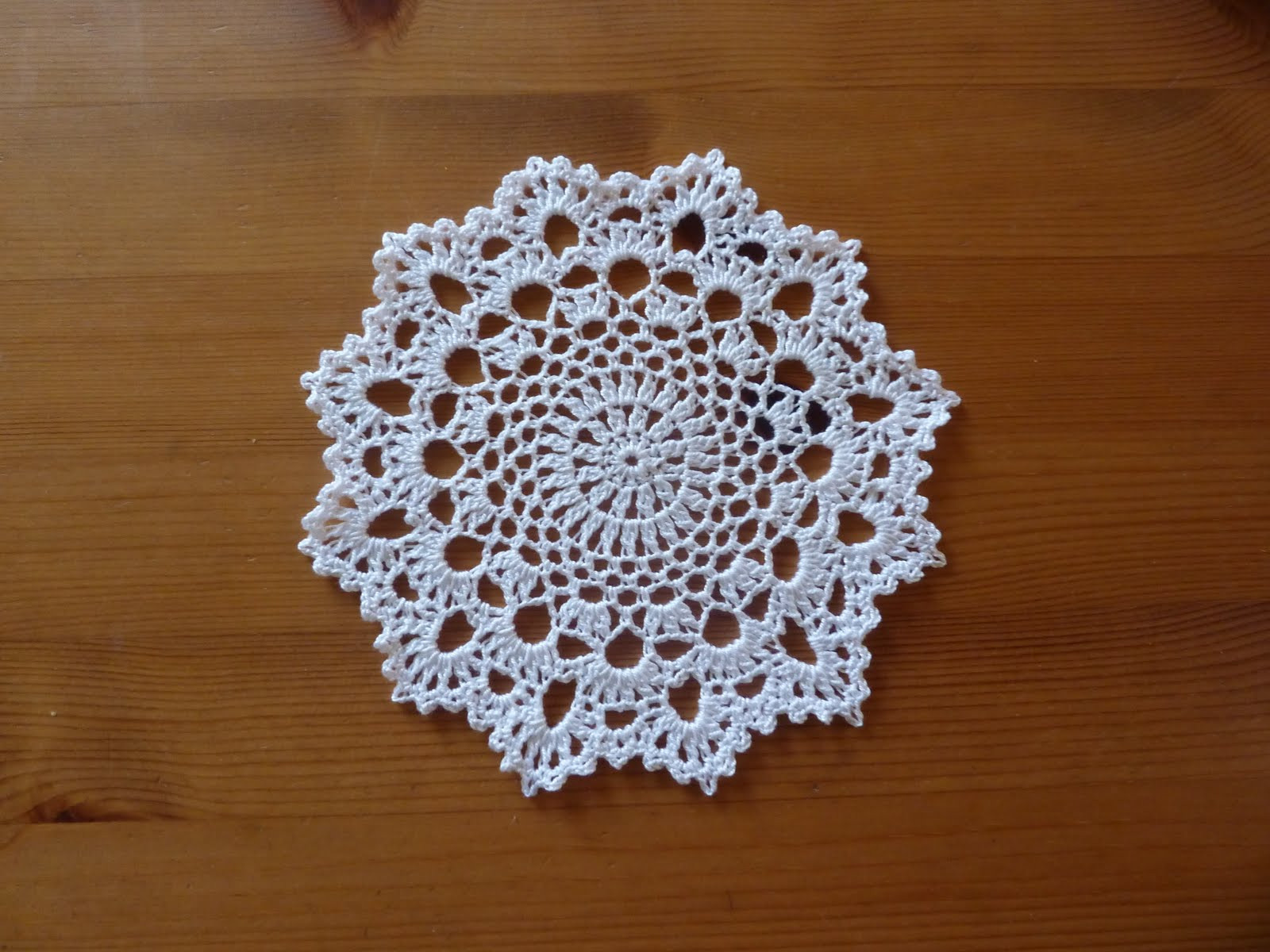 Doily Patterns Awesome Yellow Pink and Sparkly Another Doily Of Innovative 50 Models Doily Patterns