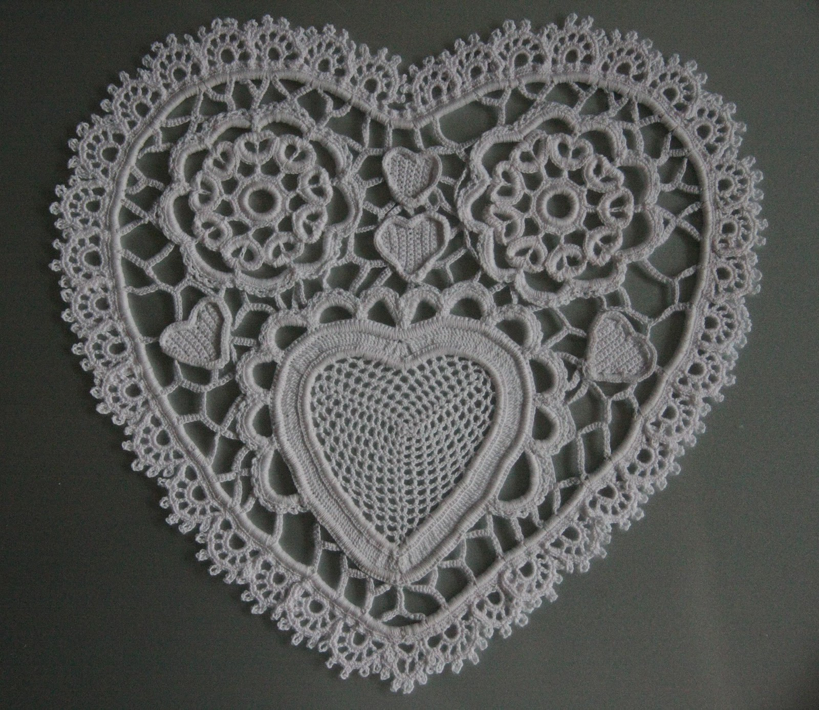 Doily Patterns New the Laboratory Paper Heart Doily In Irish Crochet Of Innovative 50 Models Doily Patterns