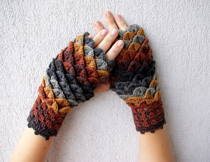 Dragon Scale Crochet Gloves Awesome Dragon Scale Crocheted Gloves Of Dragon Scale Crochet Gloves Luxury Crochet Pattern Erebor Dragon Scale Fingerless Gloves Dragon