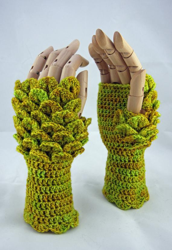 Dragon scale fingerless gloves maple leaf Game of Thrones