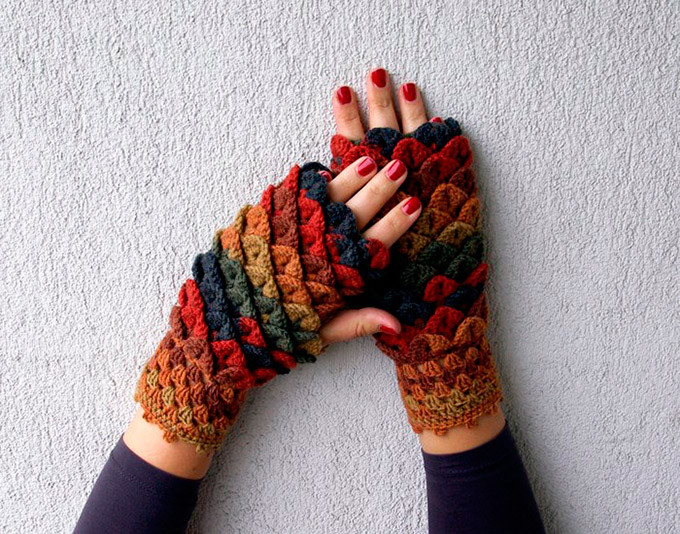 Dragon Scale Crocheted Gloves
