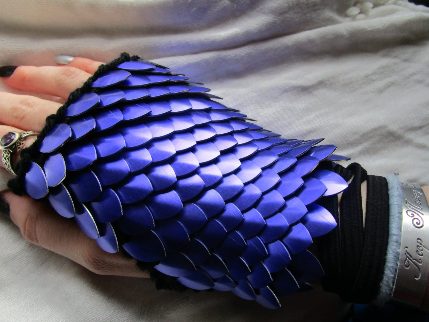 Dragon Scale Gloves Inspirational Amethyst Dragon Scale Gloves Dragon Scale Gauntlets Knitted Of Amazing 46 Pictures Dragon Scale Gloves