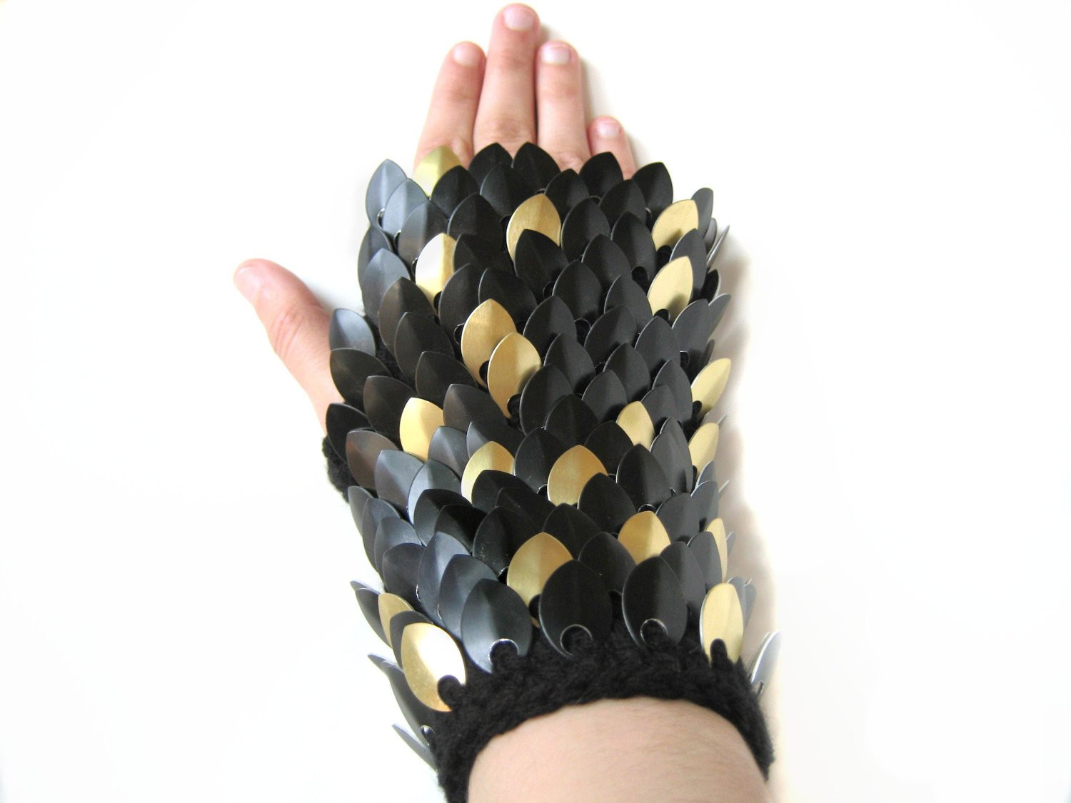 Dragon Scale Gloves New Dragon Scale Gloves Gauntlets Medium Length Black by Of Amazing 46 Pictures Dragon Scale Gloves