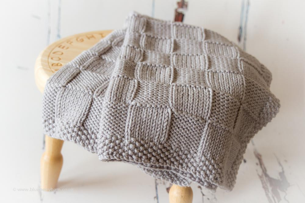 10 Quick & Cozy Chunky Knit Blanket Patterns on Craftsy