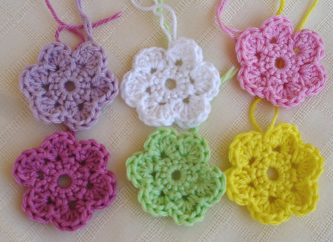 small crochet flowers free patterns Crochet and Knit