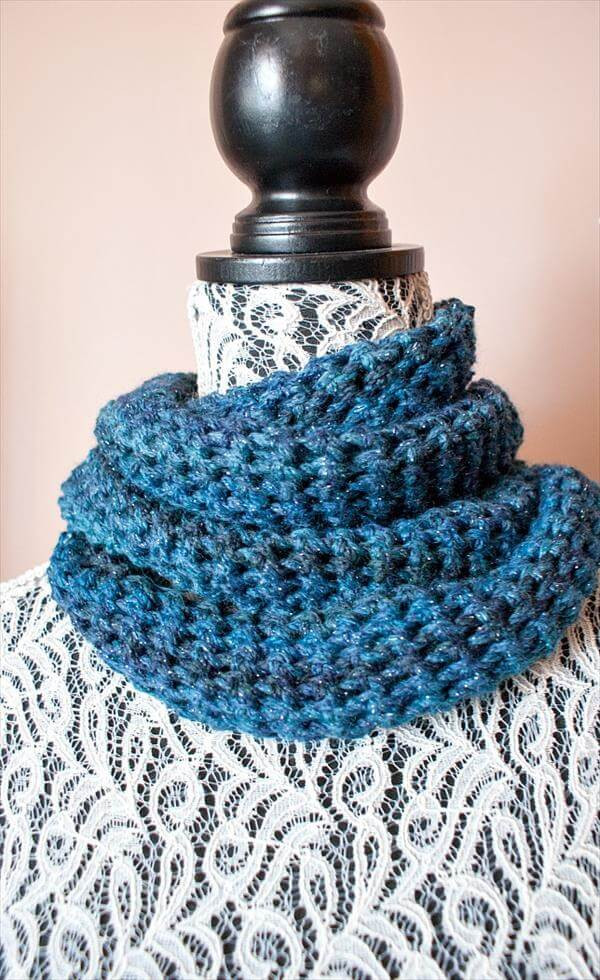 10 Free Crochet Cowl Patterns Fast & Easy