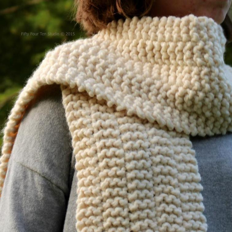 11 Chunky Knit Scarf Patterns to Knit This Weekend