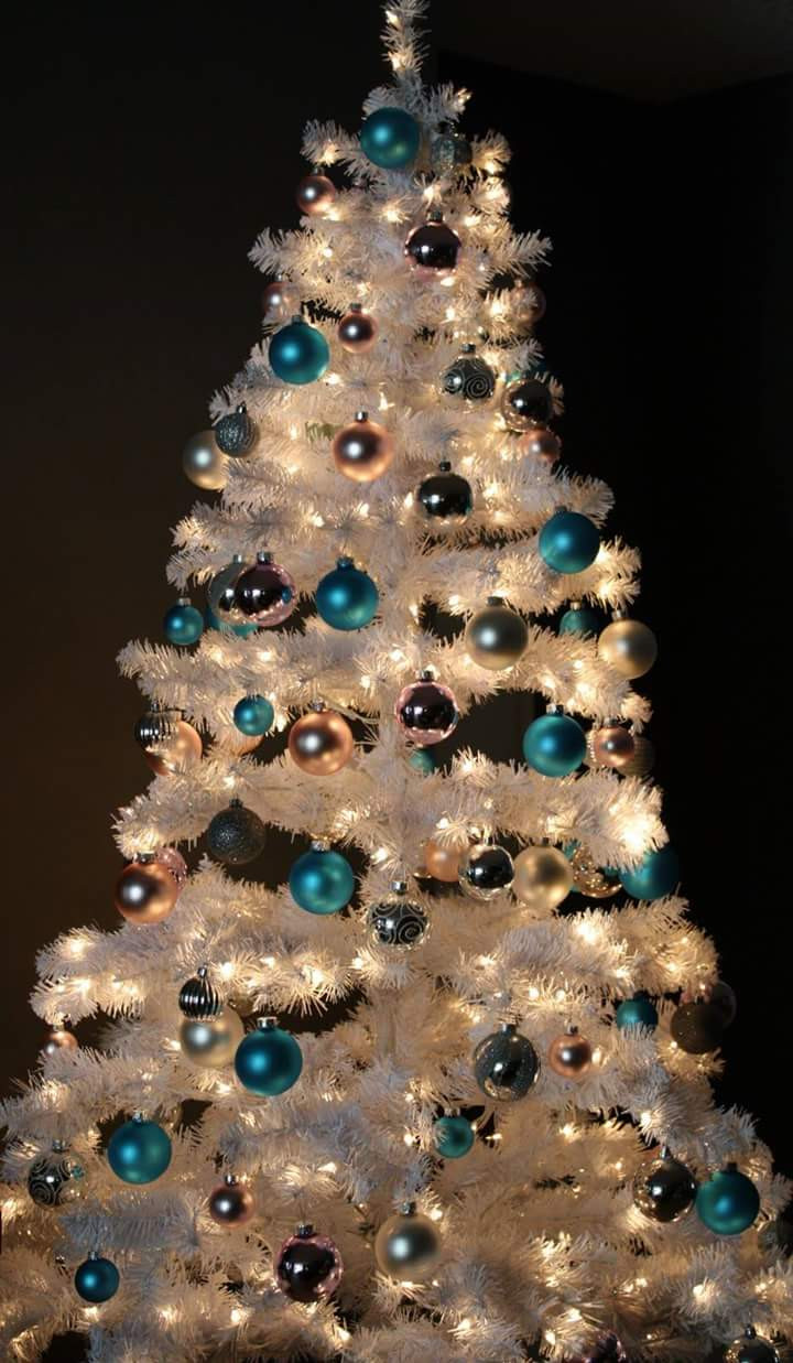 Elegant 55 Appealing White Christmas Tree Decorating Ideas for A Christmas Tree Balls Of Wonderful 50 Pictures Christmas Tree Balls