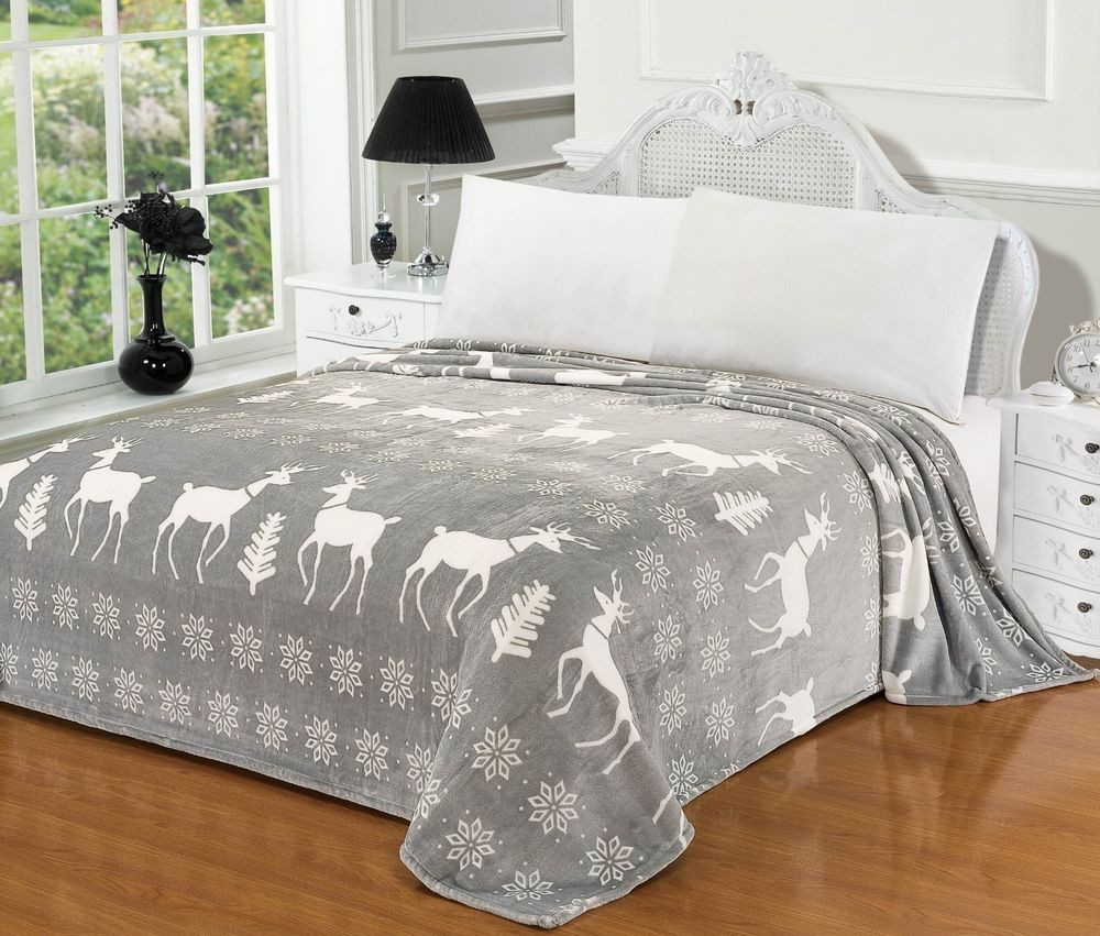 CaliTime Soft Fleece Gray Xmas Reindeer Snowflake Throw