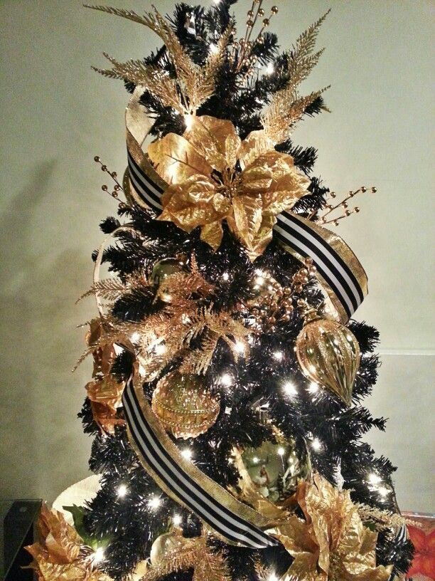 Elegant Christmas ornaments Inspirational 36 Super Elegant Black and Gold Christmas Décor Ideas Of Elegant Christmas ornaments Best Of White Cameo ornament Betty S Design