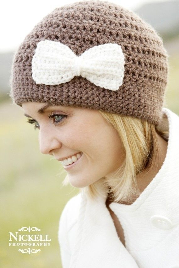 Crochet Cloche Hat love the bow details and I think