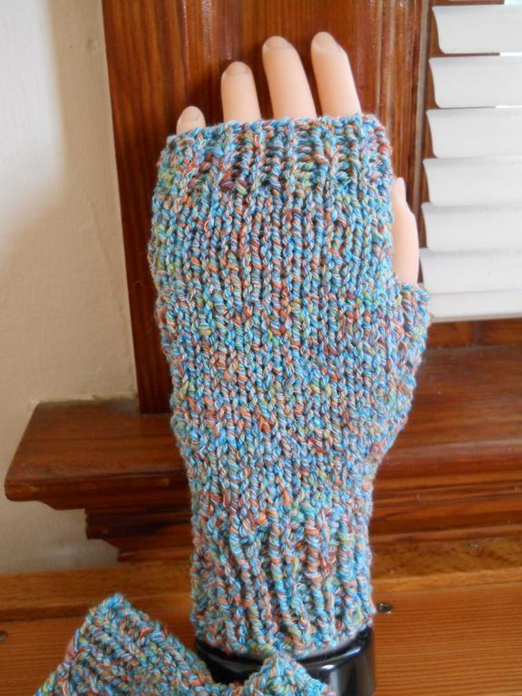 Fingerless Gloves Knitting Patterns Stand Out With A