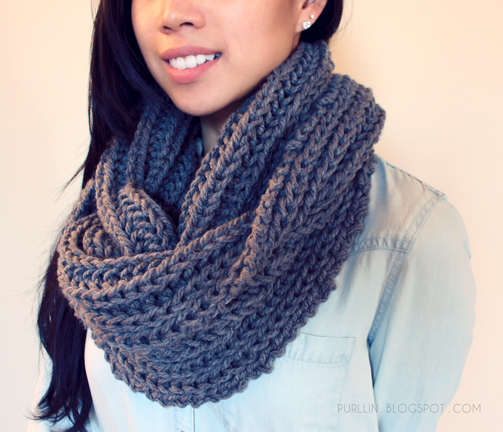 FREE easy beginner knitting pattern for a chunky knit grey