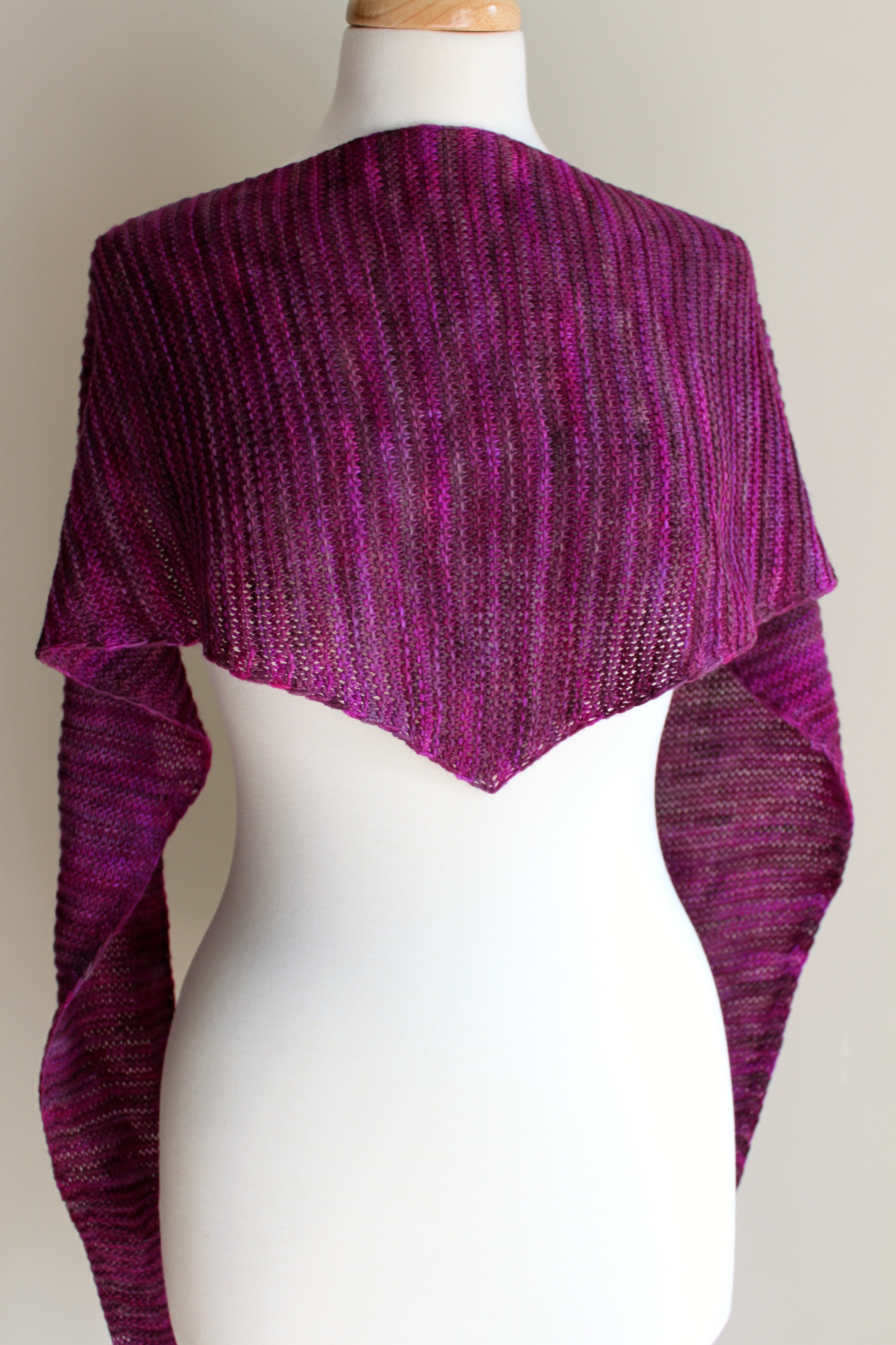 Elegant Free Knitting Patterns totally Triangular Scarf Leah Triangle Scarf Pattern Of Top 49 Models Triangle Scarf Pattern