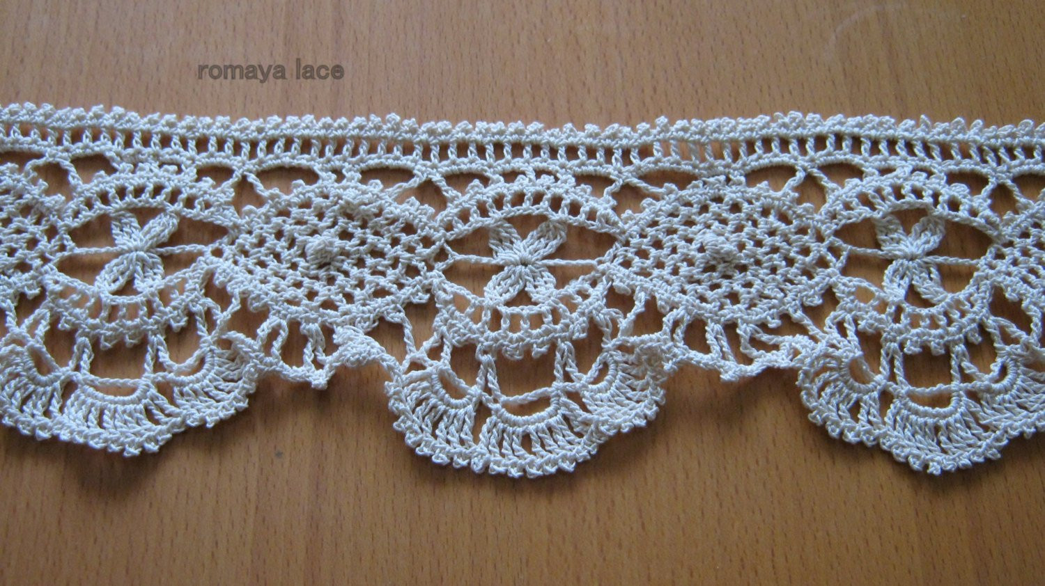 "Irish lace crochet trim ""Bee"" lace crochet edging ecru"