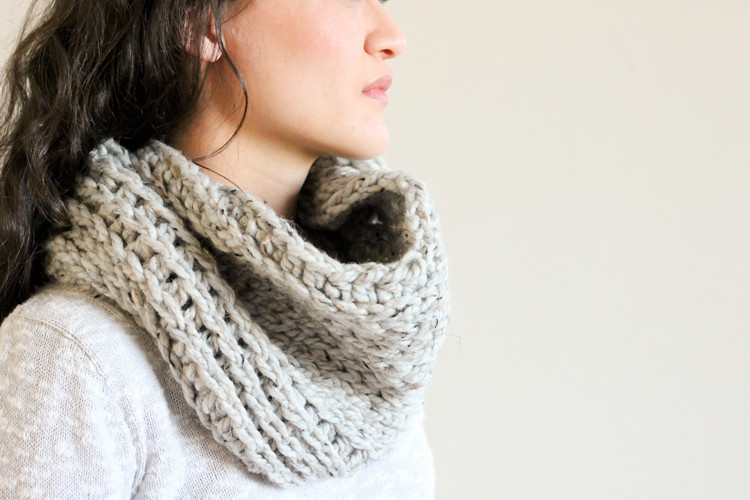 Elegant Knit Look Crochet Cowl – Free Pattern Free Knitted Cowl Patterns Of Incredible 45 Images Free Knitted Cowl Patterns