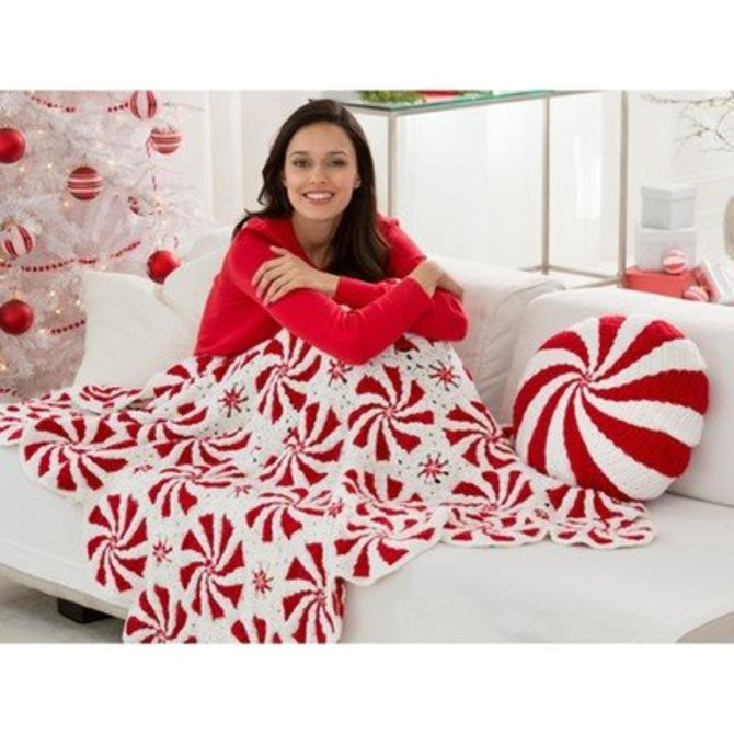 Red Heart Peppermint Throw and Pillow Free at WEBS