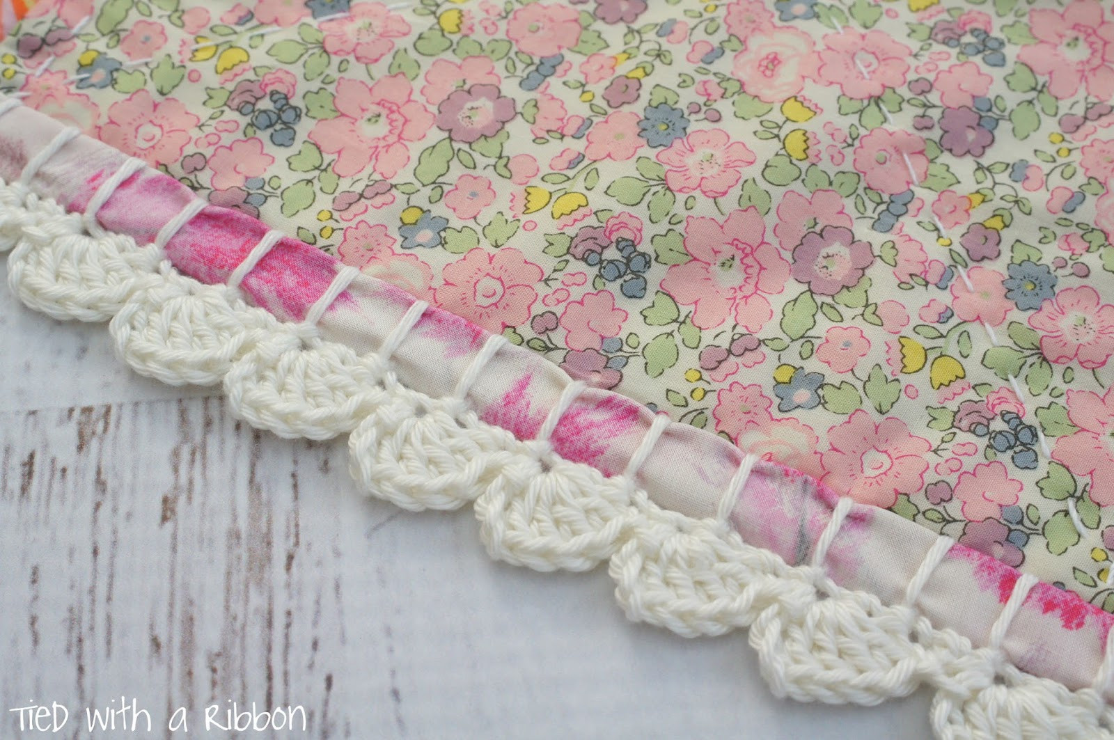 Elegant Tied with A Ribbon Liberty and Crochet Blanket for A Crochet and Fabric Quilt Of Top 45 Models Crochet and Fabric Quilt