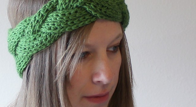 [Video Tutorial] This Braided Crochet Headband And