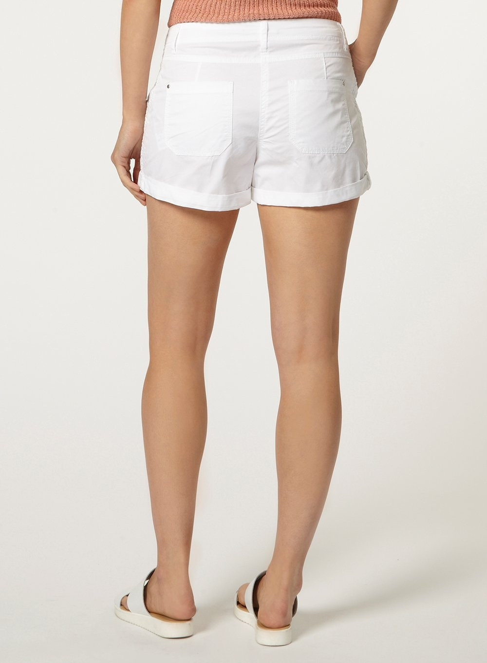 white crochet side trim shorts bi=280&ps=20
