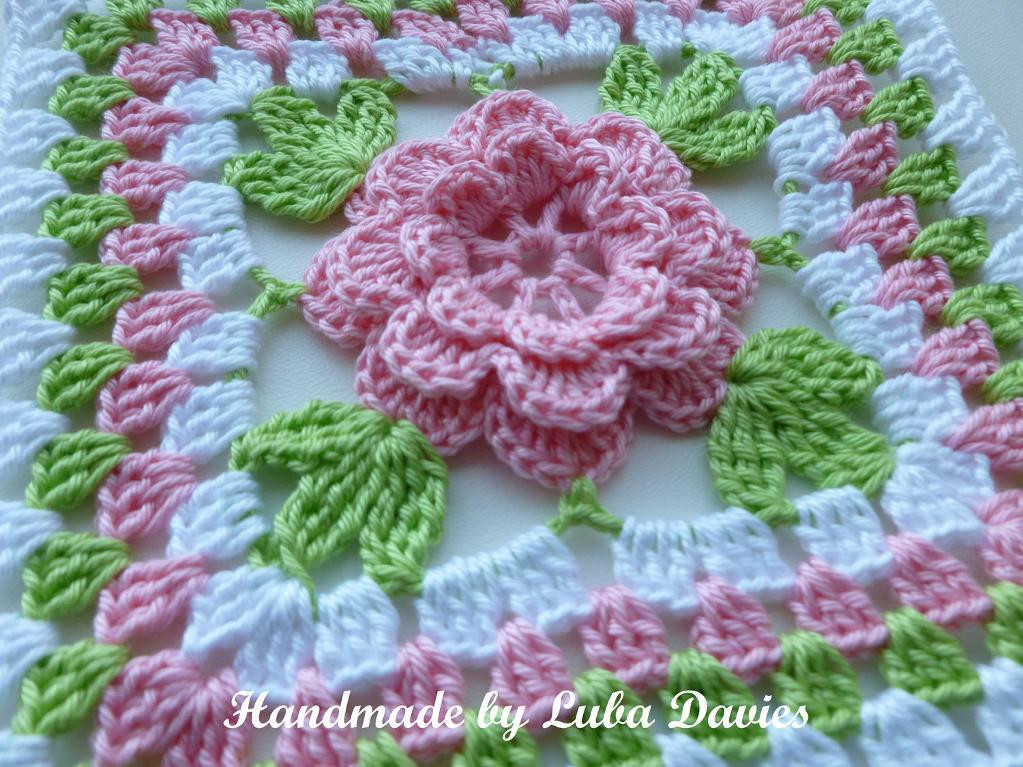 You have to see Flower in granny square by Luba Davies