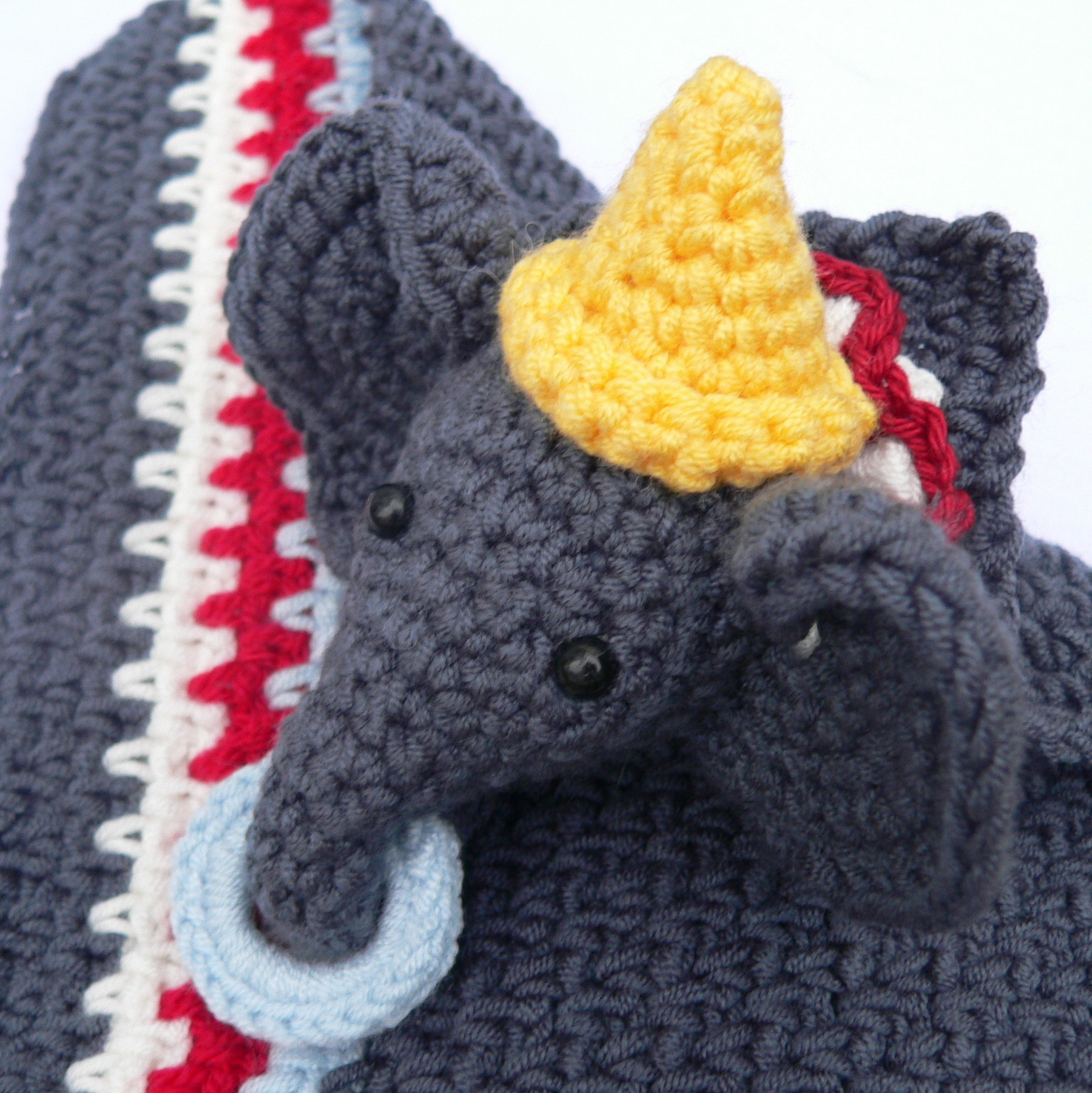 Circus Elephant Lovie A Dribs and Drabs Design ⋆ Look At