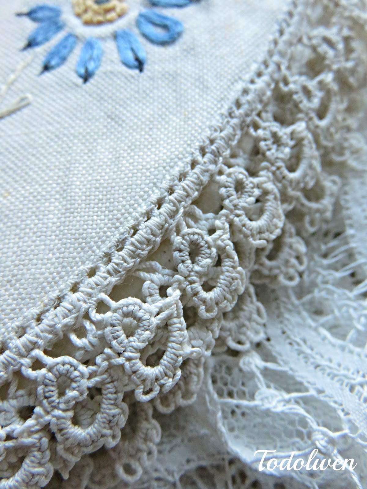 Fabric Doilies Elegant todolwen Two Vintage Fabric Doilies Of Attractive 41 Pics Fabric Doilies