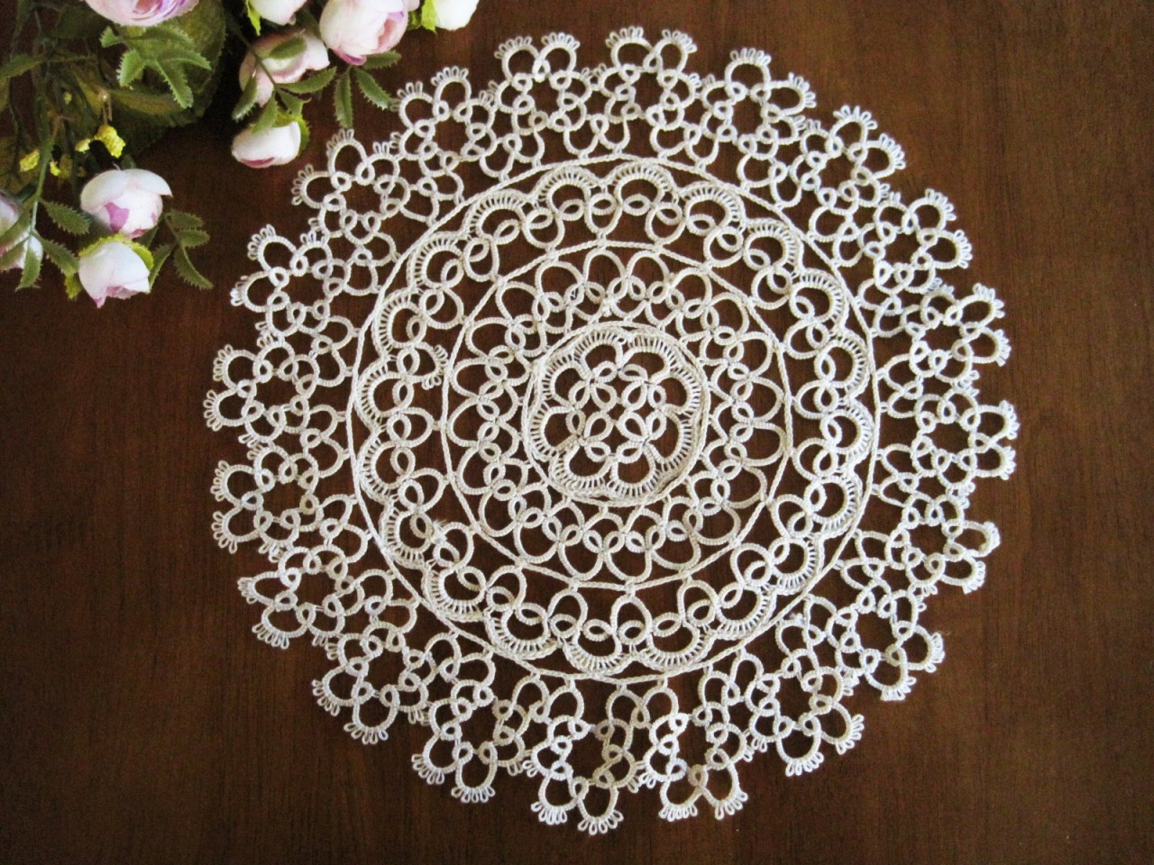 Vintage Style Hand Tatting Lace Round Cotton Doily White