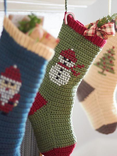 10 Free Christmas Stockings Crochet Patterns
