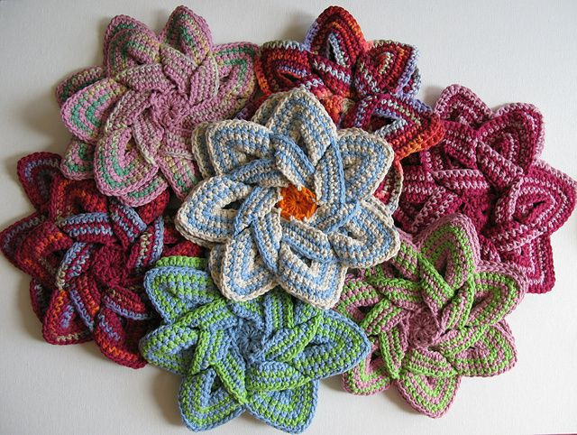 Art in the Kitchen Crochet Potholders and Hot Pads 10