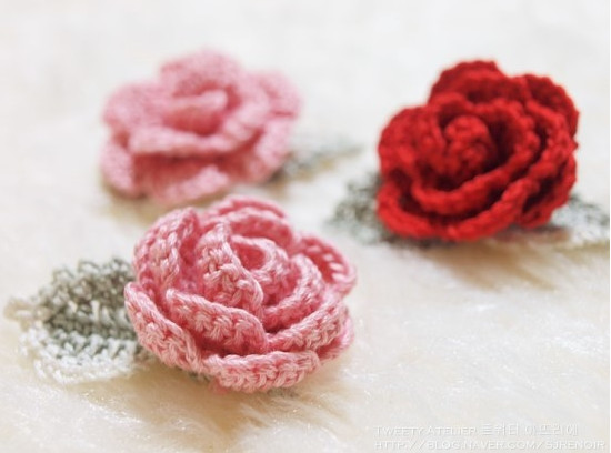 DIY Crochet Rose with Free Pattern