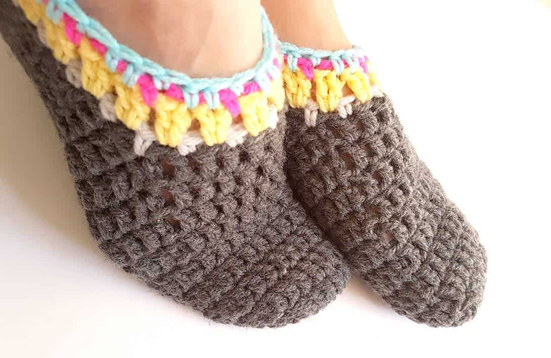 20 free crochet slipper patterns perfect for fall