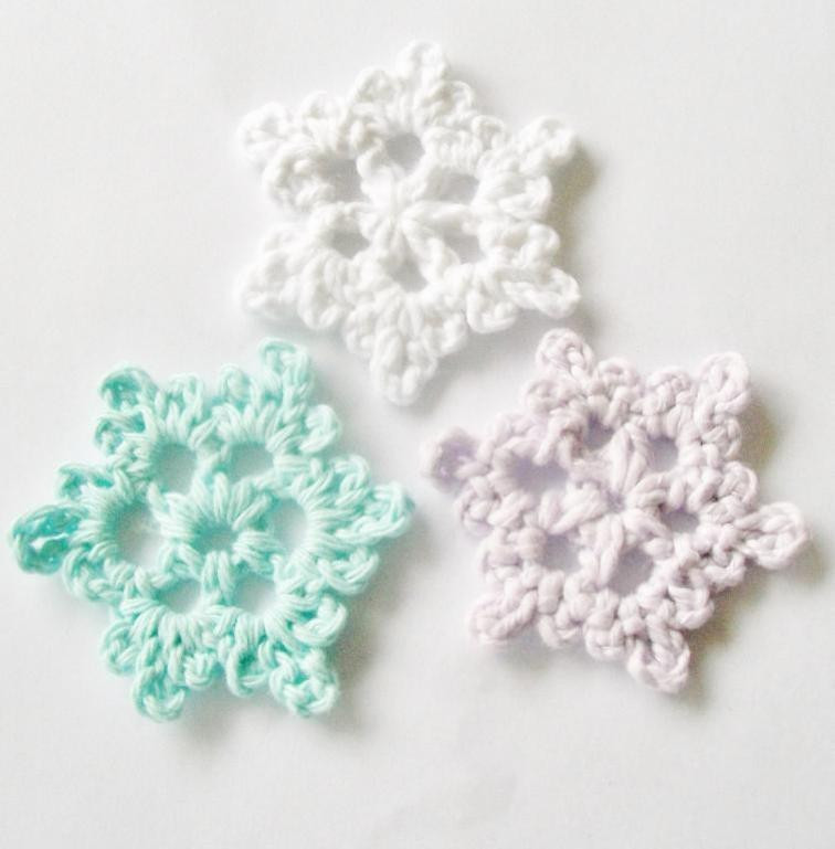 12 Crochet Snowflake Patterns for Holiday Decorating