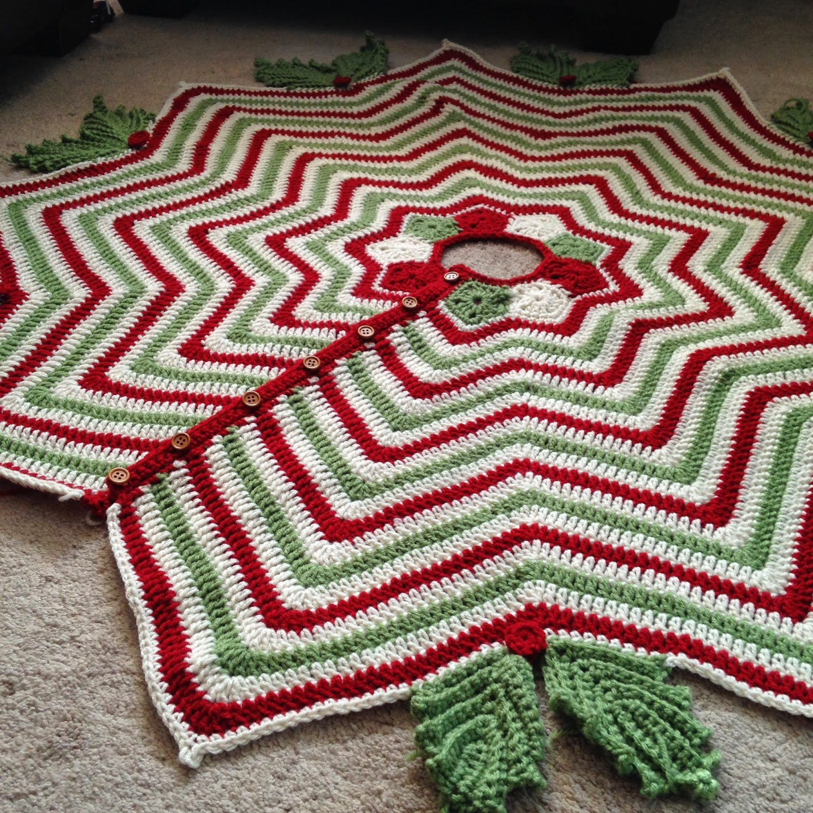 Free Crochet Tree Skirt Pattern Awesome Crochet Christmas Tree Skirt Patterns – Happy Holidays Of Marvelous 49 Models Free Crochet Tree Skirt Pattern