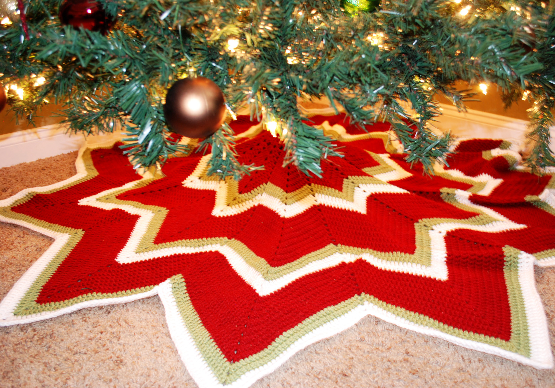 Free Crochet Tree Skirt Pattern Fresh 12 Pointed Star Crochet Christmas Tree Skirt B Hooked Of Marvelous 49 Models Free Crochet Tree Skirt Pattern