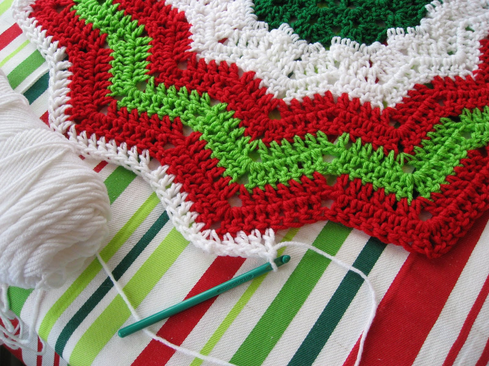 Free Crochet Tree Skirt Pattern New Christmas Crochet Skirt Tree Crochet — Learn How to Crochet Of Marvelous 49 Models Free Crochet Tree Skirt Pattern