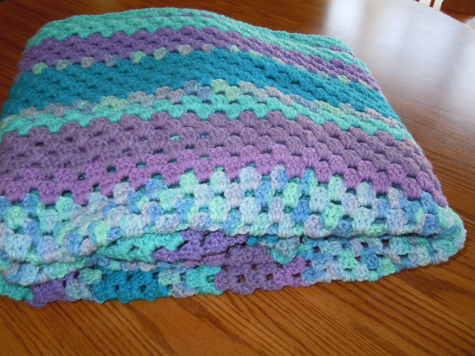 Craftdrawer Crafts How to Crochet a Granny Square Afghan