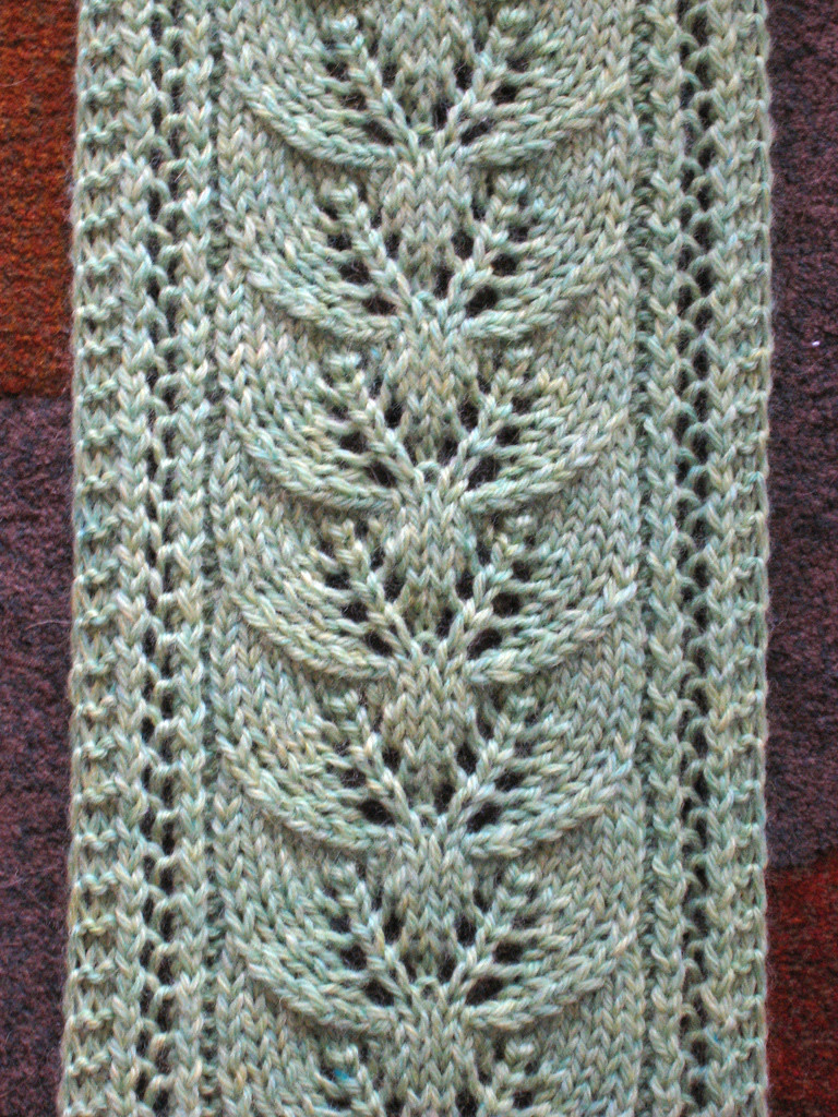 Brooke s Column of Leaves Knitted Scarf Pattern