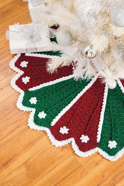 Fresh 115 Best Images About Christmas Tree Skirt On Pinterest Crochet Tree Skirt Of Innovative 45 Ideas Crochet Tree Skirt