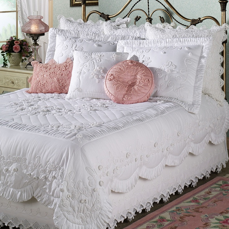 15 best images about Crocheted Lace Ruffled bed skirts
