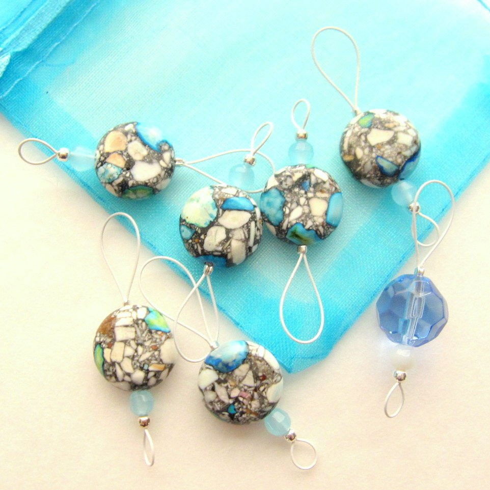 Bead Knitting Stitch Markers Set of 7 Turquoise Blue