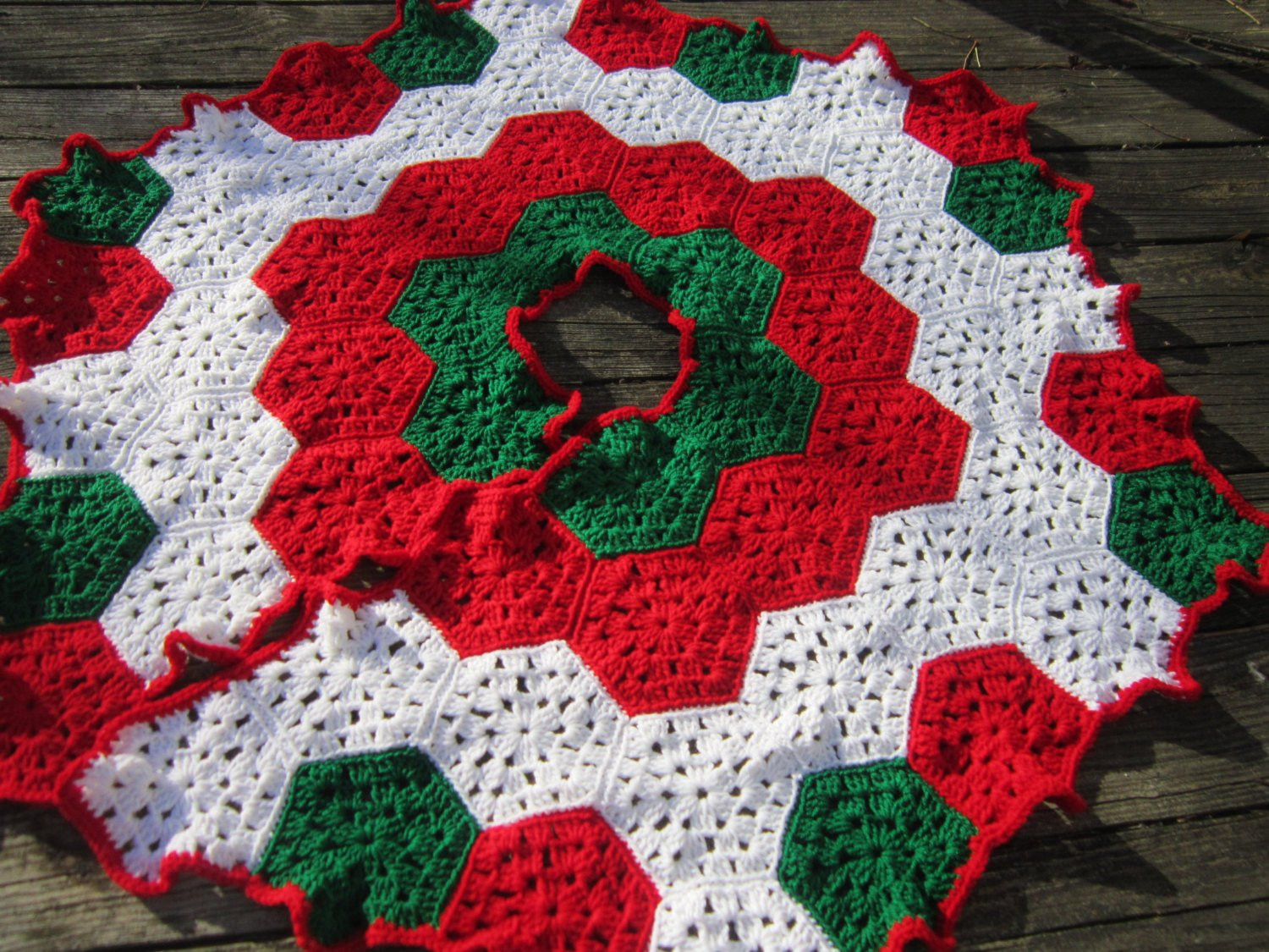 Christmas Tree Skirt Crocheted Granny Hexagons in Red Green