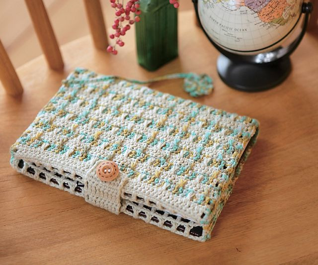Crochet Notebook Cover free pattern