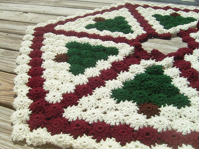 Fresh Decorate Your Home with 15 Free Christmas Crochet Patterns Crochet Tree Skirt Of Innovative 45 Ideas Crochet Tree Skirt