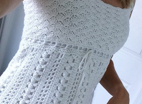 [Free Pattern] This Lacy Crocheted Sleeveless Top Is