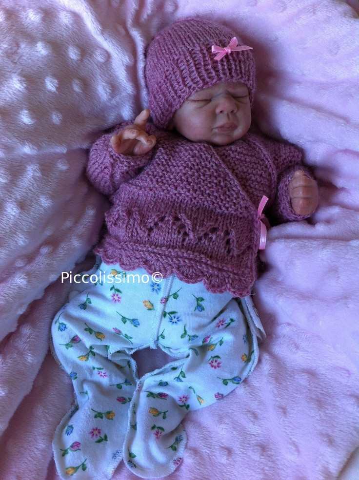 knitted dusk pink cross over top and hat 12 inch micro