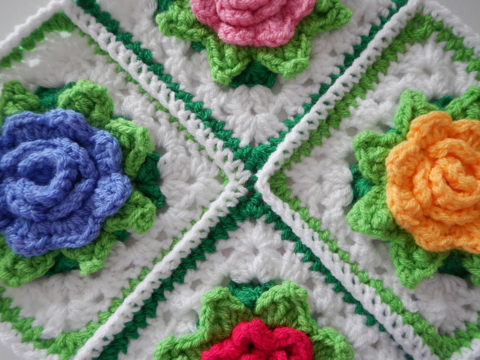 Many Roses Afghan to Crochet Free Patterns and Ideas