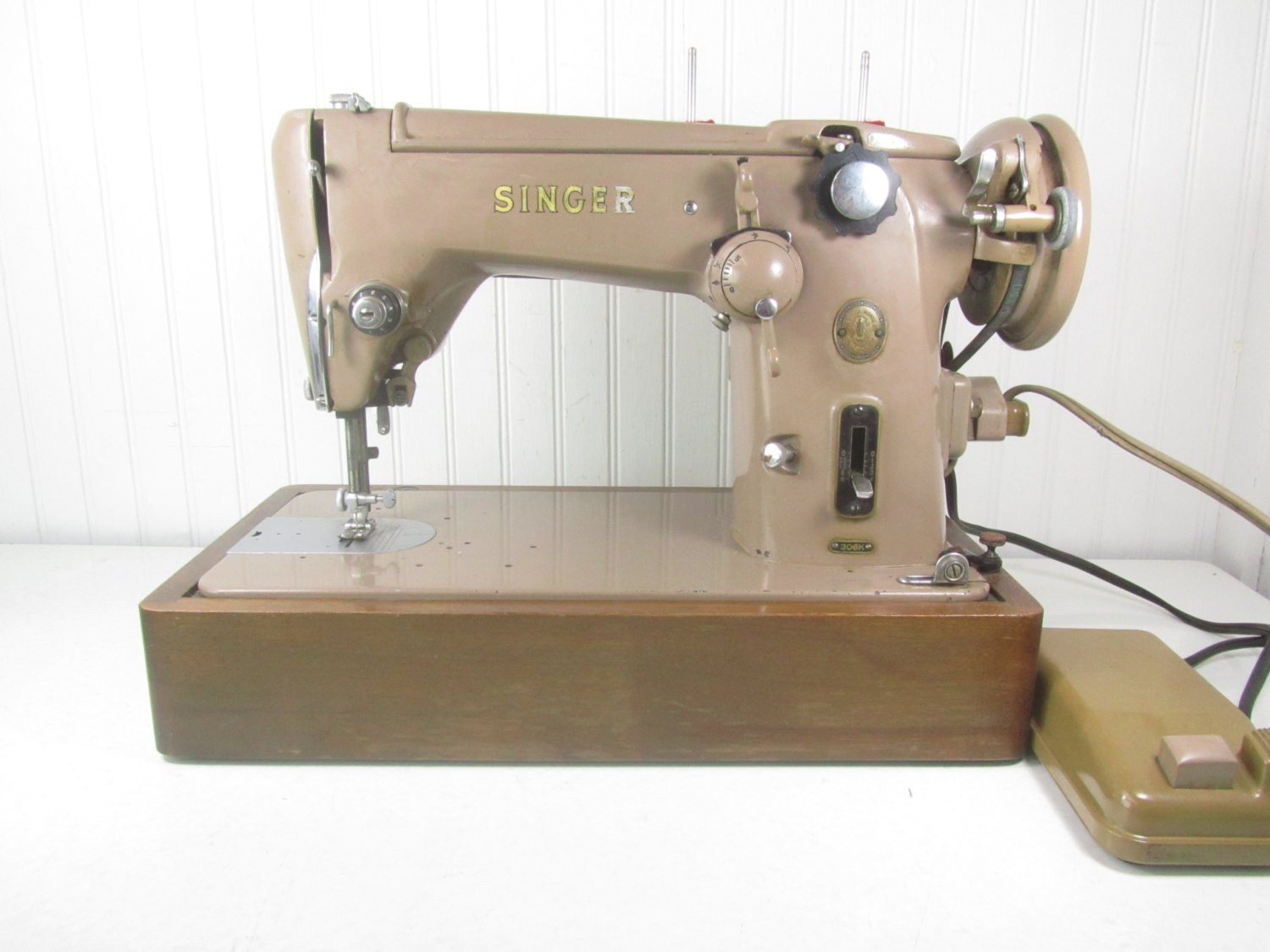 Fresh Vintage Singer Sewing Machine Tan Sewing Machine the Singer Singer Sewing Machine Feet Of Amazing 50 Pics Singer Sewing Machine Feet