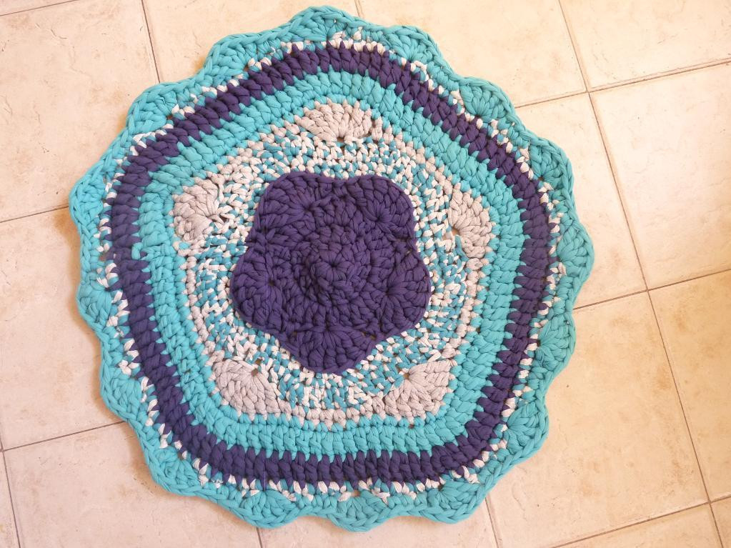 You have to see Crochet pattern for t shirt yarn rug by